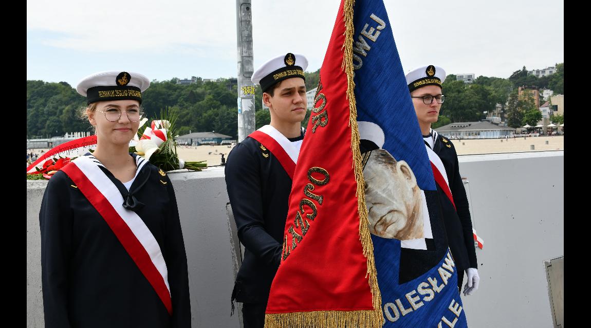 Nakielska Żegluga na uroczystości odsłonięcia tablicy B. Romanowskiego